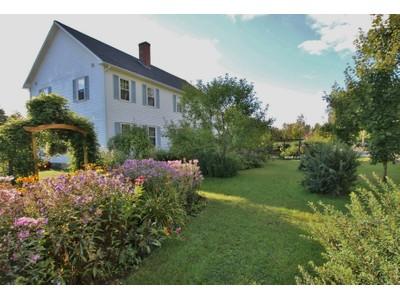 Maison unifamiliale for sales at Peacham Groton Road 147 Peacham Groton Road Peacham, Vermont 05862 États-Unis