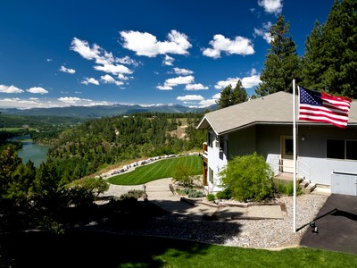Single Family Home for sales at Stunning Views 432 Rim Dr. Moyie Springs, Idaho 83845 United States