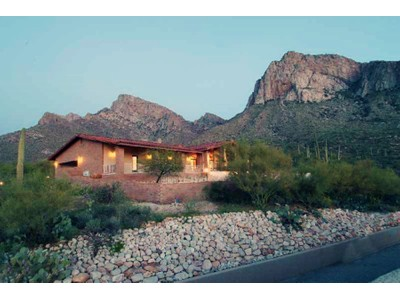 Casa Unifamiliar for sales at Beautiful Custom Home on 13.2 Acres in Gated Community of La Reserve 9800 N Carodera Canyon Place Oro Valley, Arizona 85737 Estados Unidos