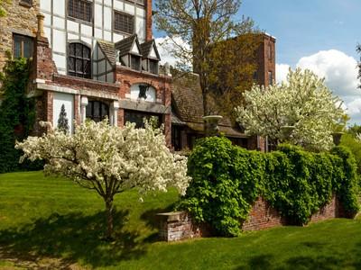 Nhà ở một gia đình for sales at Rice Mountain 138 Rice Mountain Lane Walpole, New Hampshire 03608 Hoa Kỳ
