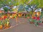 Einfamilienhaus for sales at Quintessential Arizona Living in a Lush Romantic Setting 6618 N 48th Street Paradise Valley, Arizona 85253 Vereinigte Staaten