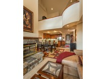 Eigentumswohnung for sales at Penthouse at the Lorian 111 San Joaquin Road, Unit 8   Telluride, Colorado 81435 Vereinigte Staaten