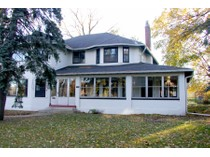 Maison unifamiliale for sales at Historic Olde Oakville Home 326 Reynolds Street   Oakville, Ontario L6J3W7 Canada