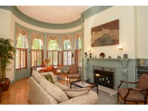 Appartement en copropriété for sales at Quintessential Classic Back Bay Condo 239 Commonwealth Avenue Unit 22  Back Bay, Boston, Massachusetts 02116 États-Unis