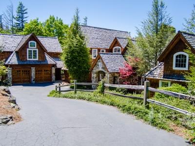 Moradia for sales at 975 Garnet Rock Trail  Highlands, Carolina Do Norte 28741 Estados Unidos