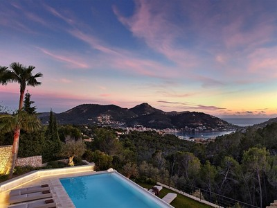 Moradia Multi-familiar for sales at Stunning refurbished property in Port Andratx  Port Andratx, Palma De Maiorca 07157 Espanha