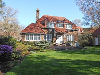 """獨棟家庭住宅 for sales at """"GARDENS DREAM HOME"""" 216 Greenway North , Forest Hills Gardens  Forest Hills, 紐約州 11375 美國"""