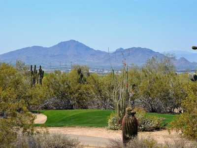 Terreno for sales at Spectacular Homesite on the Raptor Golf Course in Guard Gated Grayhawk 8703 E Overlook Drive #43 Scottsdale, Arizona 85255 Estados Unidos