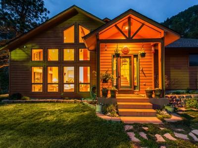 Maison unifamiliale for sales at 26759 Highway 72  Golden, Colorado 80403 États-Unis