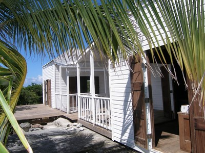 Maison unifamiliale for sales at Value Priced Pods Rainbow Bay, Eleuthera Bahamas