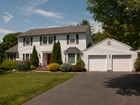 Einfamilienhaus for sales at A Prime Location! 9 Valerie Lane   Lawrenceville, New Jersey 08648 Vereinigte Staaten