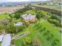 Nhà ở một gia đình for sales at Exceptional Villa perched high above Stellenbosch  Stellenbosch, Western Cape 7600 Nam Mỹ