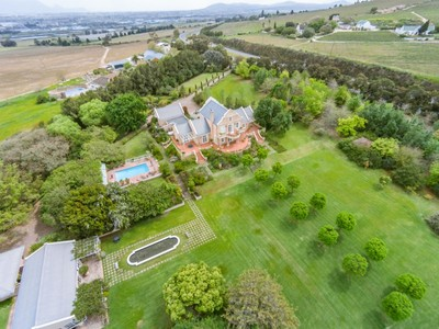 Maison unifamiliale for sales at Exceptional Villa perched high above Stellenbosch  Stellenbosch, Cap-Occidental 7600 Afrique Du Sud