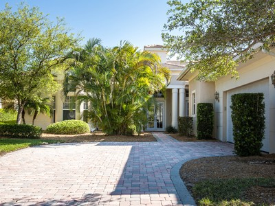 Casa Unifamiliar for sales at Exquisite 3BR, 4BA Home 1300 Lake Bend Ct Vero Beach, Florida 32963 Estados Unidos