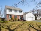 Maison unifamiliale for  sales at Colonial in Cranbury Township 136 Plainsboro Road Cranbury, New Jersey 08512 États-Unis