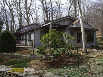 Maison unifamiliale for sales at MUST SEE 10 Downey Road Sharon, Connecticut 06069 États-Unis