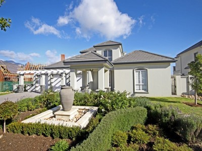 Casa Unifamiliar for sales at Waterside Villa in Val de Vie Polo Estate  Paarl, Provincia Occidental Del Cabo 7646 Sudáfrica