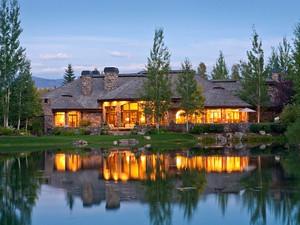 Nhà ở một gia đình for Bán at Old World Grandeur 4325 Greens Place  West Bank North, Wyoming 83014 Hoa Kỳ
