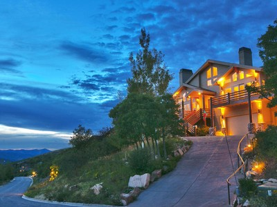 Nhà ở một gia đình for sales at Immaculate Pinebrook Home with Big Mountain Views 7803 Tall Oaks Dr Park City, Utah 84098 Hoa Kỳ