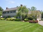 Maison unifamiliale for sales at Sophisticated & Fabulous Colonial 30 Wagon Wheel Road Redding, Connecticut 06896 États-Unis