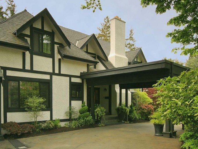 Single Family Home for sales at Elegant 10 Mile Point 3915 Bedford Road Victoria, British Columbia V8N4K6 Canada