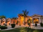 Vivienda unifamiliar for  sales at Extraordinary Privately Gated Estate 24835 N 93rd Ave Peoria, Arizona 85383 Estados Unidos