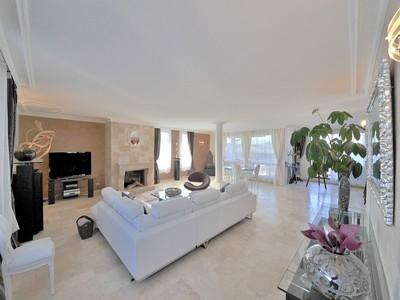 Maison unifamiliale for sales at Superbe Duplex  Other Rhone-Alpes, Rhone-Alpes 74160 France