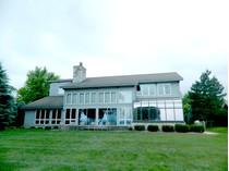 Maison unifamiliale for sales at Lake Charlevoix 06120 Pine Lake Club Drive   Charlevoix, Michigan 49720 États-Unis