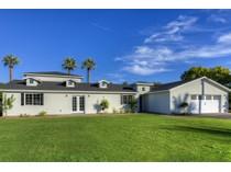 独户住宅 for sales at Exceptional Home Built By One Of The Areas Most Impressive Builders 3441 N 47th Place   Phoenix, 亚利桑那州 85018 美国