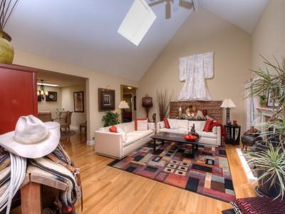 独户住宅 for sales at Much Sought After Floor Plan at the Creekside Village 763 Crocus Drive  Sonoma, 加利福尼亚州 95476 美国