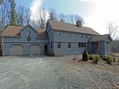 獨棟家庭住宅 for sales at Wonderful 9 Room Yarnkee Barn Home 21 Fox Run Sunapee, 新罕布什爾州 03752 美國