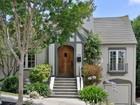 단독 가정 주택 for  sales at Handsomely Updated Tudor 1335 Bates Road Oakland, 캘리포니아 94610 미국