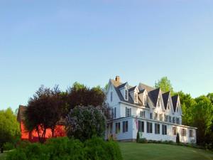 for Ventes at The Inn a Pleasant Lake 853 Pleasant Street   New London, New Hampshire 03257 États-Unis