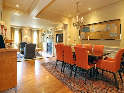 Copropriété for sales at Elegant Condominium in Classical Revival Building 413-415 Commonwealth Ave Unit 8 Boston, Massachusetts 02215 États-Unis
