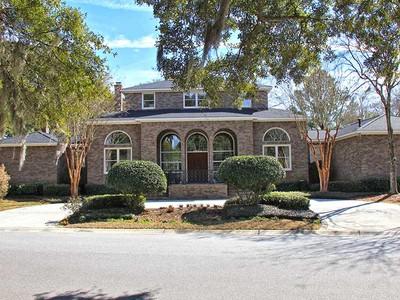 Einfamilienhaus for sales at 2000 Indian Mound Trail   Charleston, South Carolina 29407 Vereinigte Staaten