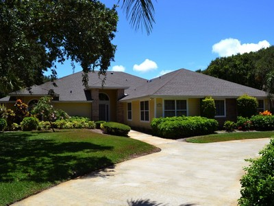 Moradia for sales at Stunning Pool Home, Deeded Beach Access, Guest Apartment! 3115 Mariners Way  Vero Beach, Florida 32963 Estados Unidos