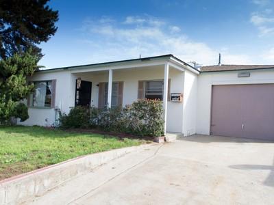 Casa multifamiliare for sales at 4460-4462 Montalvo St.   San Diego, California 92107 Stati Uniti