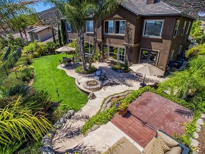Vivienda unifamiliar for sales at 1409 Schoolhouse Way  San Marcos, California 92078 Estados Unidos