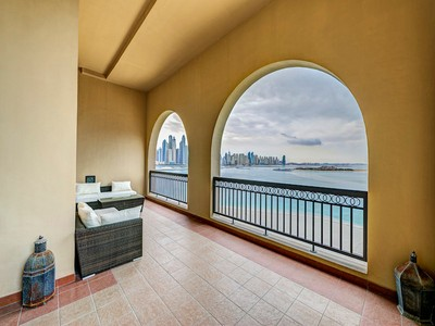Apartment for sales at 4- bedroom apartment, Fairmont Palm Residence, Palm Jumeirah Dubai, United Arab Emirates