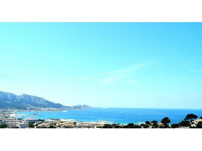 Nhà ở một gia đình for sales at LE PLUS BEL APPARTEMENT DE MARSEILLE COMME UNE VILLA SUR LE TOIT  Marseille, Provence-Alpes-Cote D'Azur 13008 Pháp