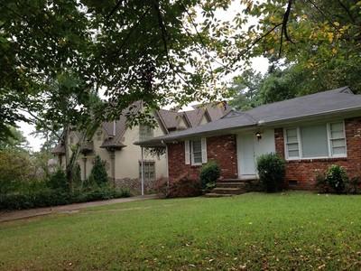 Частный односемейный дом for sales at Adorable Brick Ranch In Brookhaven 3116 Mabry Road NE Atlanta, Джорджия 30319 Соединенные Штаты