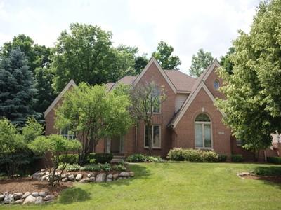 Nhà ở một gia đình for sales at Farmington Hills 27077 Hampstead Boulevard Farmington Hills, Michigan 48331 Hoa Kỳ