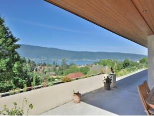 Single Family Home for sales at Superbe villa récente  Other Rhone-Alpes, Rhone-Alpes 74290 France