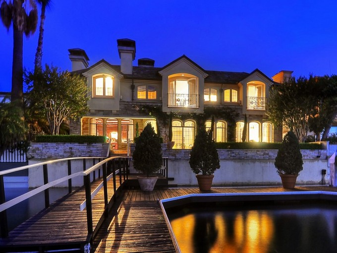 Moradia for sales at 926 Via Lido Nord  Newport Beach, Califórnia 92663 Estados Unidos