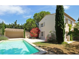 Single Family Home for Sales at Charming townhouse in Provence   Saint Remy De Provence, Provence-Alpes-Cote D'Azur 13210 France