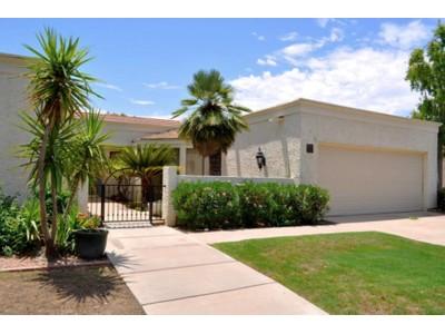 Casa Unifamiliar for sales at Extraordinary Opportunity In The Biltmore District 2737 E Arizona Biltmore Circle #33 Phoenix, Arizona 85016 Estados Unidos