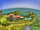 Einfamilienhaus for sales at 775 Mashta Drive 775 S Mashta Drive  Key Biscayne, Florida 33149 Vereinigte Staaten