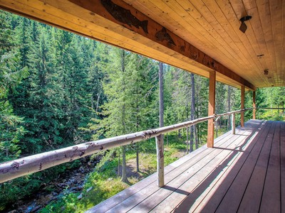 Einfamilienhaus for sales at Mountaintop Exclusive Ranch NNA LIONS DEN RD Bonners Ferry, Idaho 83805 Vereinigte Staaten