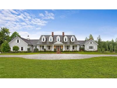 Moradia for sales at Magnificent Hamptons Country Manor 24 Basket Neck Lane Remsenburg, Nova York 11960 Estados Unidos