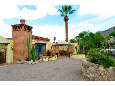 Vivienda unifamiliar for sales at Spacious Burnt Adobe Home in Tranquil Skyline Country Club Location 6619 N Saint Andrews Drive  Tucson, Arizona 85718 Estados Unidos